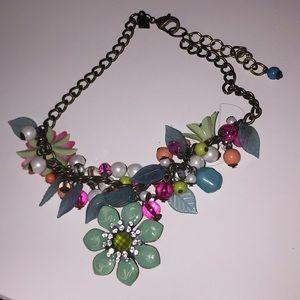 EUC Women's Statement Necklace w/ floral design